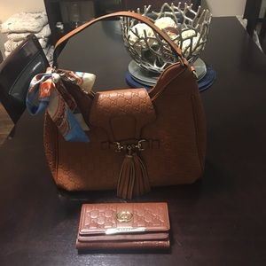 Gorgeous large hobo bag with wallet and scarf